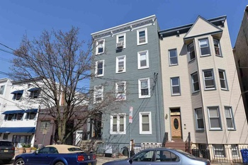 *NO FEE* FURNISHED 1 Bed/1 Bath - PET Friendly - Private Back Yard - Downtown JC!